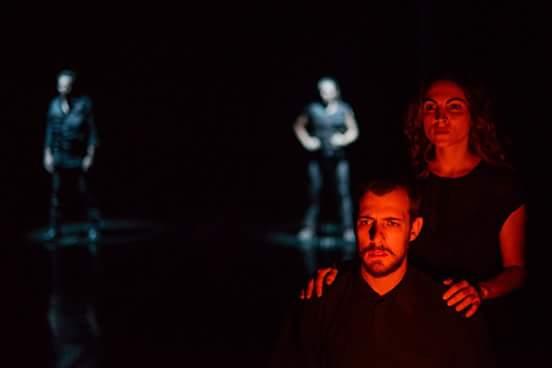 """""""Levante"""", de Roberto Alvim, faz temporada na SP Escola de Teatro"""