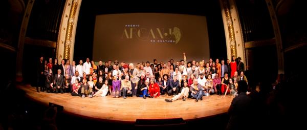 Prêmio Arcanjo de Cultura nasce no Municipal em noite histórica das artes
