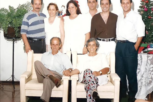 José, Eunice e os filhos deles, em 1994