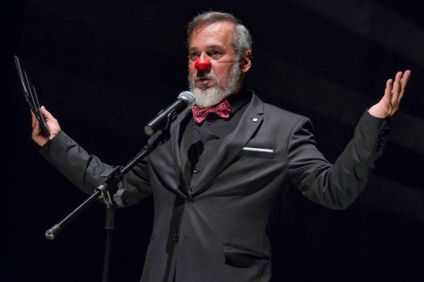 Lives do fim de semana: festival tem show de Chico César e tour no centro de SP