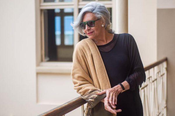 NO ESTADÃO | Atriz Divina Valéria celebra 60 anos de carreira