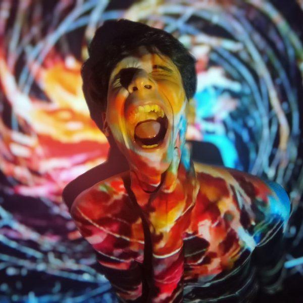 OBSERVATÓRIO DO TEATRO | Os Satyros mergulham em estudo dadaísta ao encerrar Trilogia Cabaret e encenar 15º espetáculo online