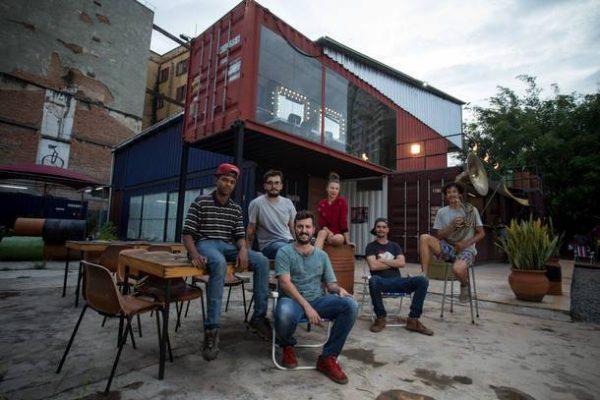 Teatros que se fecham, Mungunzá, Sturm e o diálogo