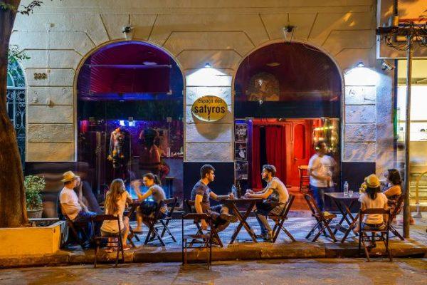 Campanha promove doações de cestas básicas a artistas em São Paulo
