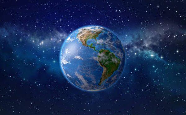 Satyrianas e os amigos do mundo